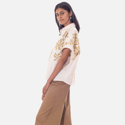 Araliya Flower Beige Batik Short Sleeved Shirt