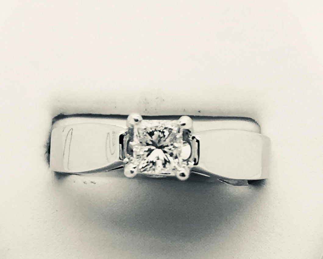 Princess Cut Solitaire Style Diamond Ring with Two Accent Diamonds - 14kt White Gold