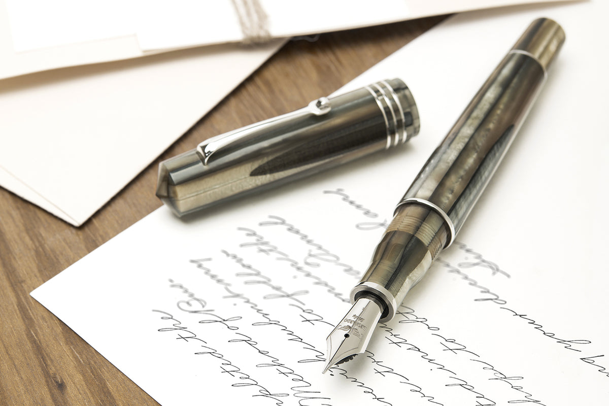 Leonardo Momento Zero GRANDE - Sand Fountain Pen | Pen Venture - Passion for Luxury