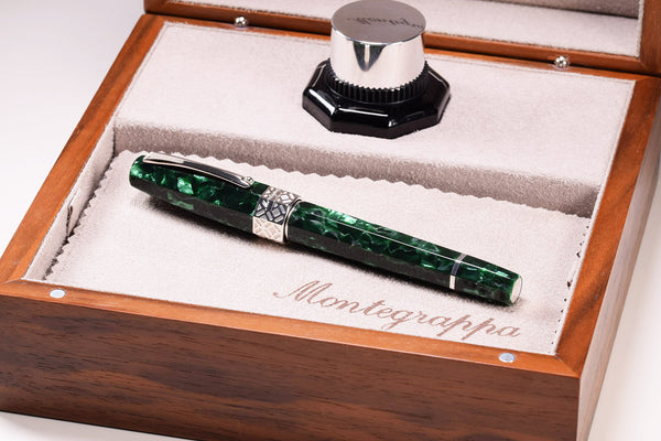 Montegrappa extra 8 otto - Malachite Green Fountain Pen - gold Nib | Pen Venture - Passion for Luxury