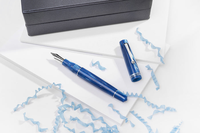 Leonardo Officina Italiana - Blue Mediterranean - celluloid fountain pen | Pen Venture - Passion for Luxury