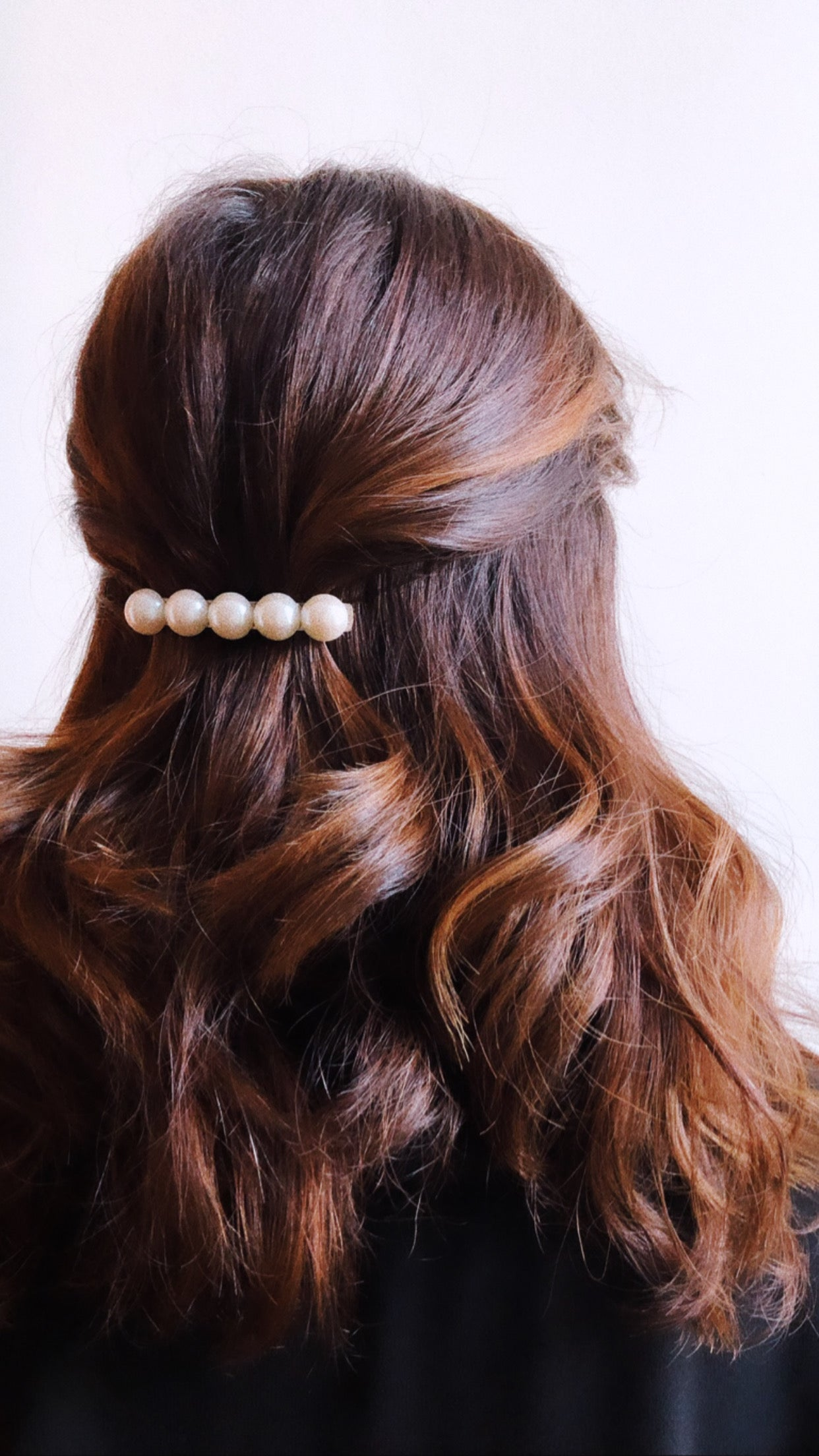 MEDIUM PEARL BARRETTE