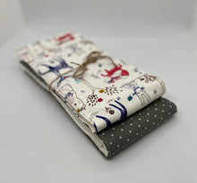 Load image into Gallery viewer, Floral Woodland Burp Cloth Set