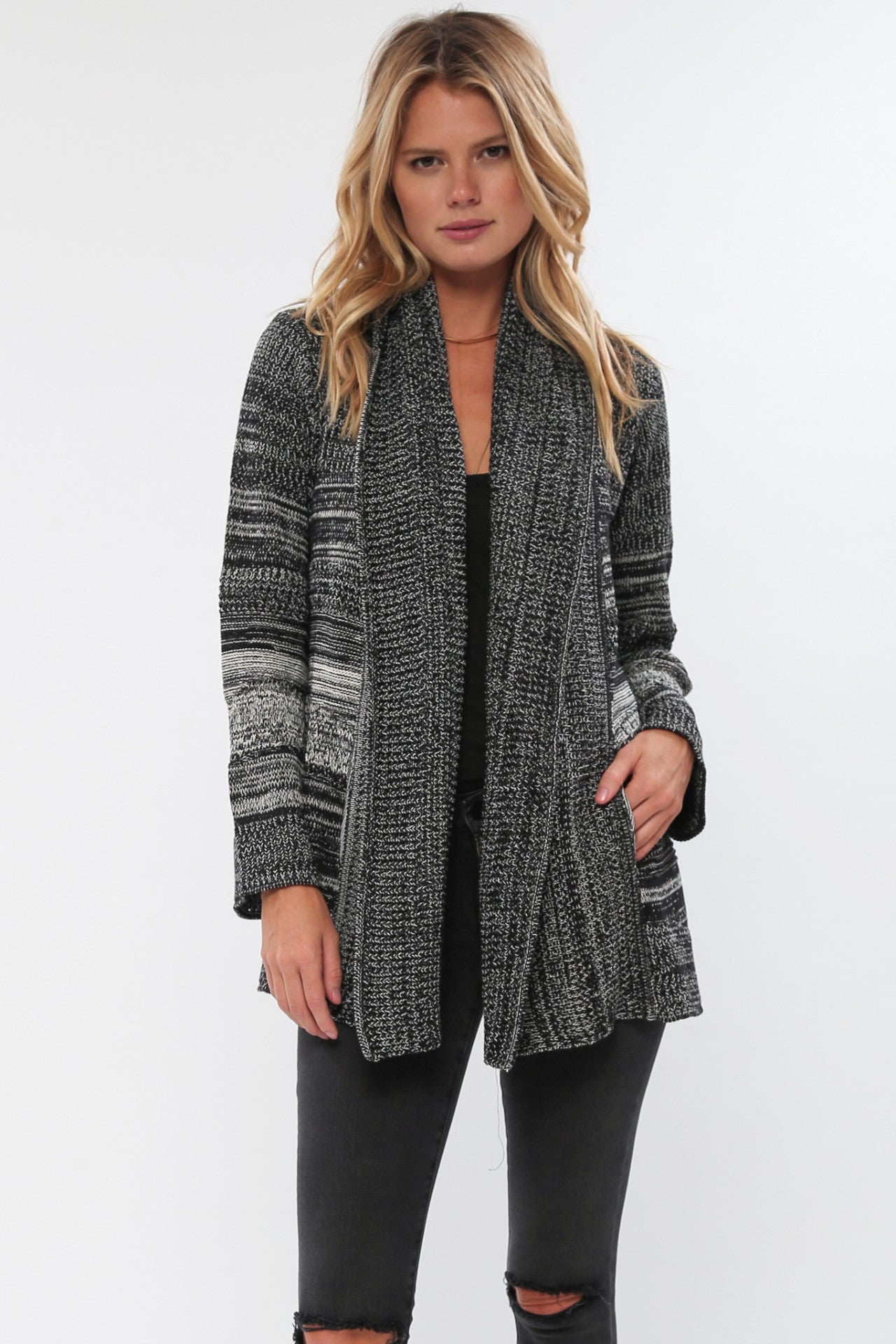 Leila Oversized Knit Sweater in Black Canvas