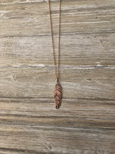 Load image into Gallery viewer, Feather Necklace