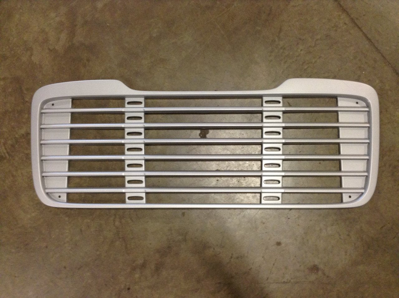 18623-N Freightliner Business Class M2 106 112 Grille Painted  A17-14104-000 A17-14787-000 - BC Heavy Truck Solutions