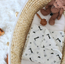 From NZ With Love | Black & White Muslin Wrap