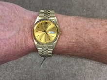 Load image into Gallery viewer, Seiko Men's Gold Tone With Day And Date