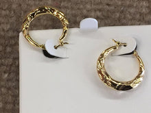 Load image into Gallery viewer, 14 K Yellow Gold Hoop Earrings