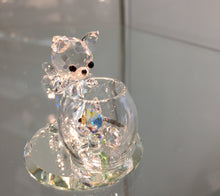 Load image into Gallery viewer, Curious Cat Crystal Figurine