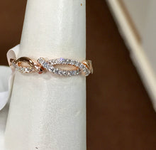 Load image into Gallery viewer, Rose Gold Diamond Ring