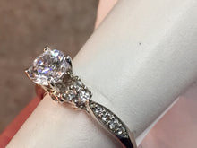 Load image into Gallery viewer, 14 k Gold Diamond Engagement Ring Mounting