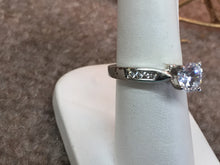 Load image into Gallery viewer, Diamond Engagement Ring Mounting