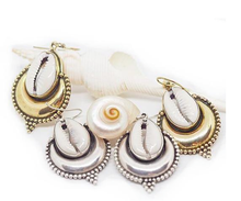 Load image into Gallery viewer, CT Banjara Earrings in Brass