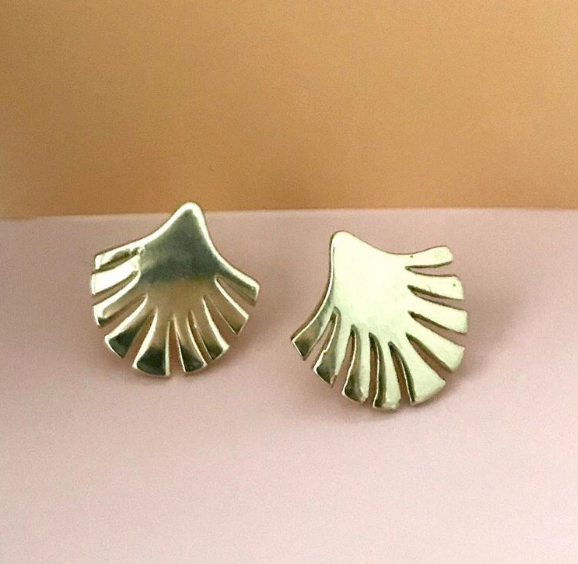 Vayü Retro Palm Stud