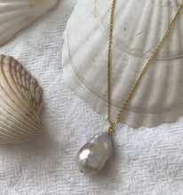 Load image into Gallery viewer, Vayü Baroque Pearl Necklace