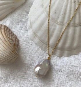 Vayü Baroque Pearl Necklace