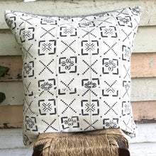 Load image into Gallery viewer, .PALE. 26x26 Mudcloth Cushion - Tribal Maps