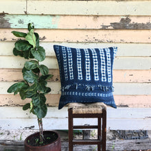 Load image into Gallery viewer, .PALE. 26x26 Mudcloth Cushion - Casual Blue