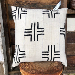 .PALE. 20x20 Mudcloth Cushion - Meeting Place