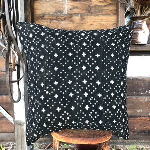 .PALE. 26x26 Mudcloth Cushion - Dark Atoms