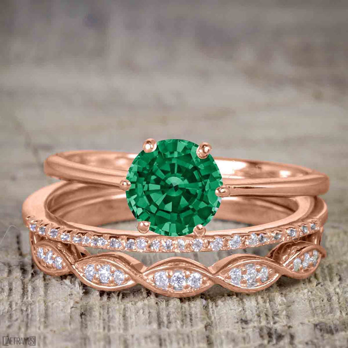 1.50 Carat Round cut Emerald and Diamond Solitaire Trio Wedding Bridal Ring Set in Rose Gold