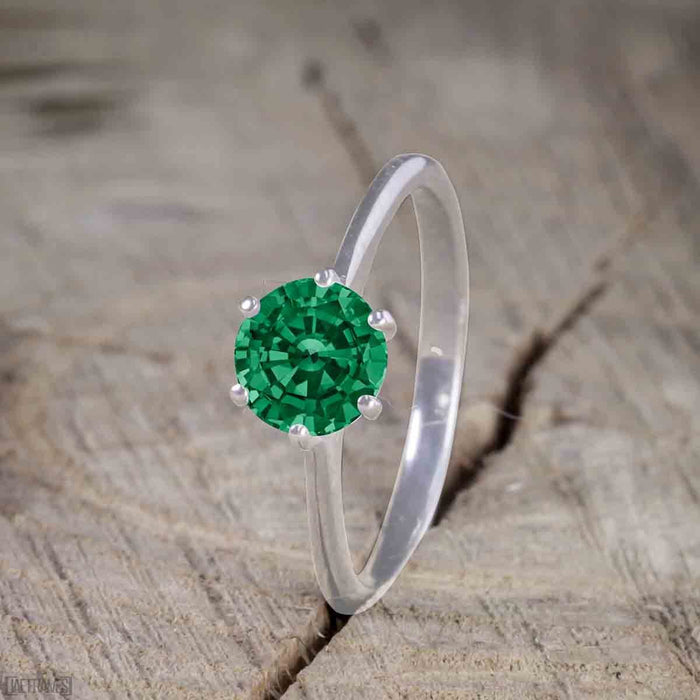 Beautiful 1 Carat Round cut Emerald Solitaire Engagement Ring for Women in White Gold