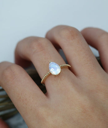 Antique 1.25 Carat Pear Shape Rainbow Moonstone Solitaire Engagement Ring in Yellow Gold