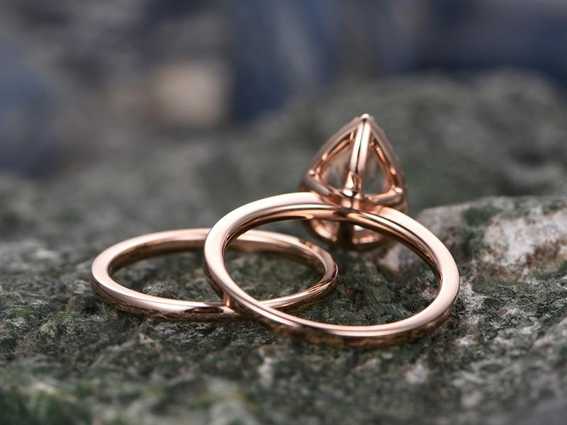 Perfect 1.25 Carat Pear Cut Morganite and Diamond Wedding Ring Set with Plain Band in Rose Gold