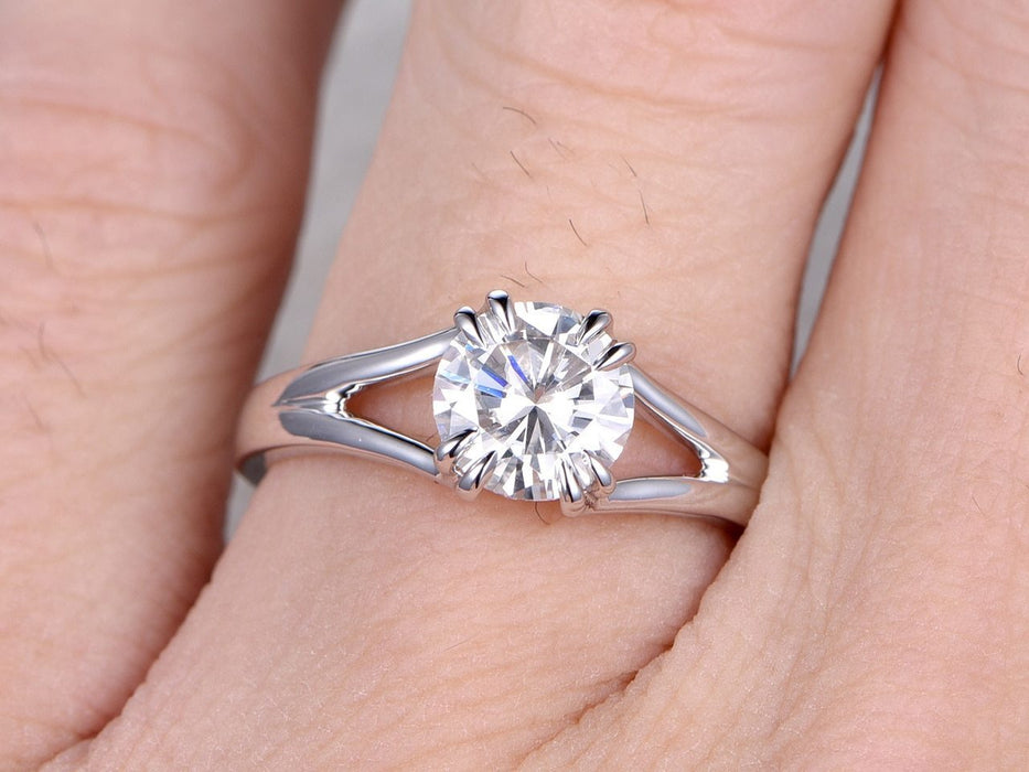 1 Carat Round Cut Moissanite Solitaire Engagement Ring in White Gold