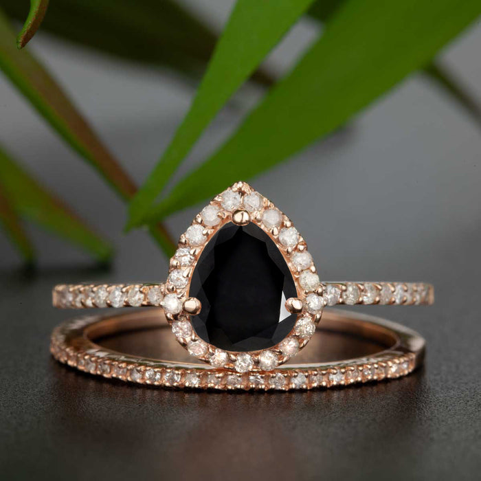 1.5 Carat Pear Cut Black Diamond and Diamond Wedding Ring Set in 9k Rose Gold for Modern Brides