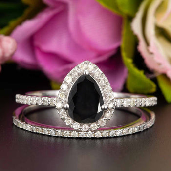 1.50 Carat Pear Cut Black Diamond and Diamond Wedding Ring Set in 9k White Gold for Modern Brides