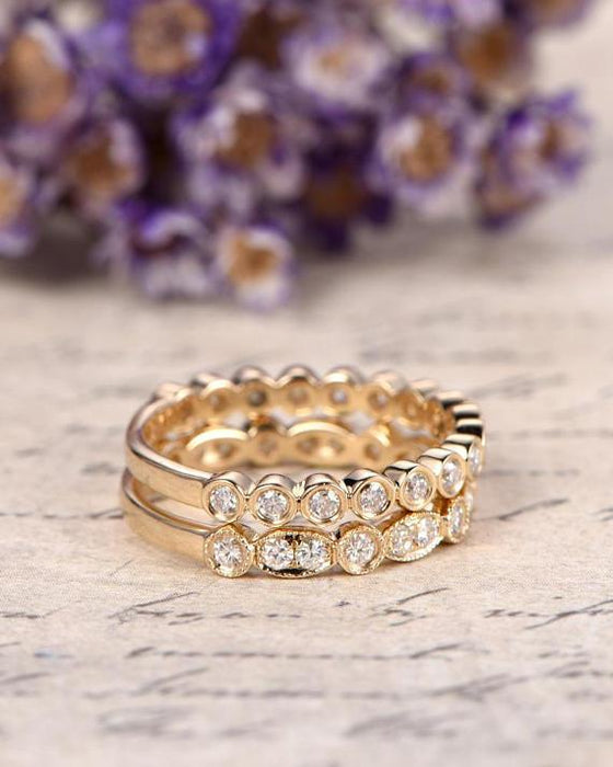1 Carat Diamond pair of Wedding Ring Bands in Yellow Gold