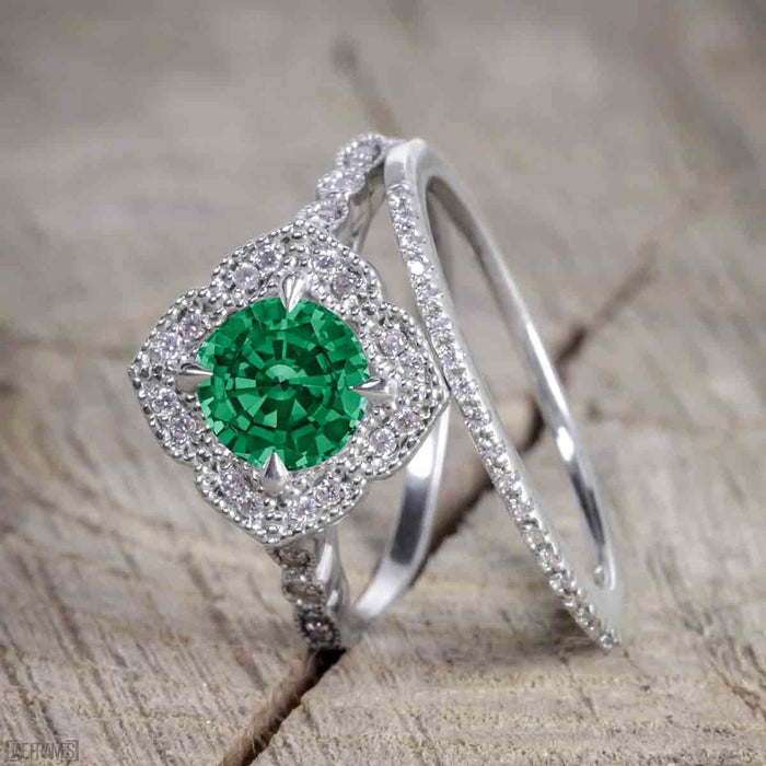 Unique antique 2.50 Carat Emerald and Diamond Trio Wedding Ring Set for Women in White Gold