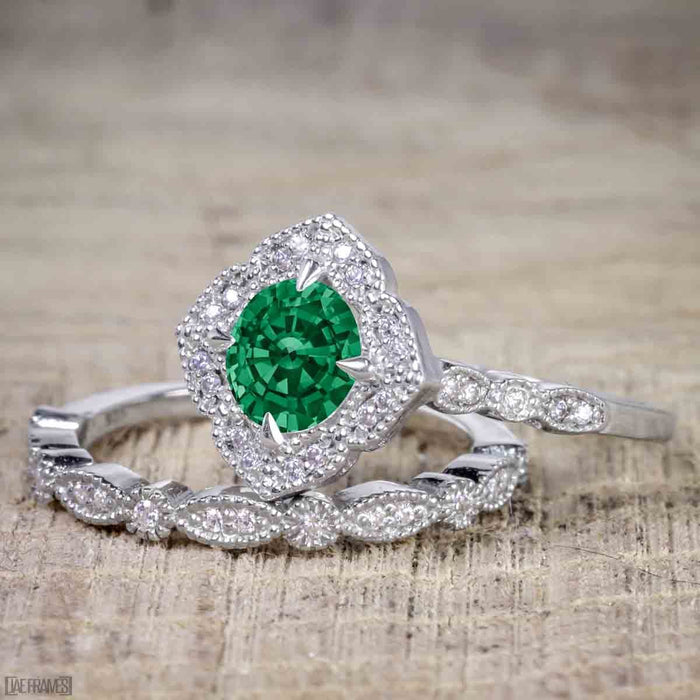 Artdeco scalloped 2 Carat Emerald and Diamond Wedding Ring Set for Women in White Gold