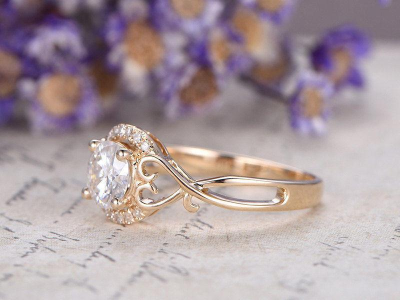 1.25 Carat Round Cut Moissanite and Diamond Engagement Ring for Her in Yellow Gold