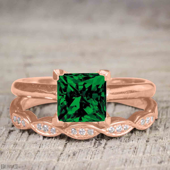 Vintage design 1.25 Carat Princess cut Emerald and Diamond Wedding Set for Women in Rose Gold