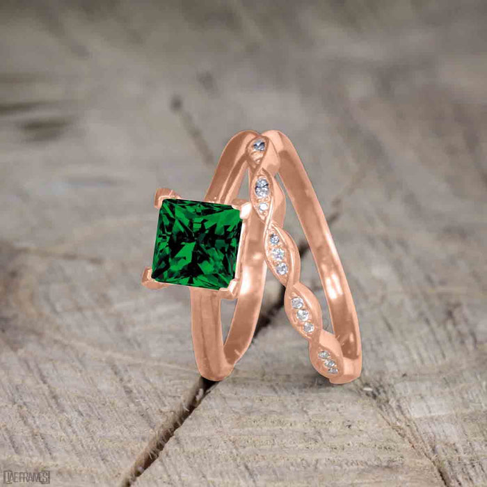 Beautiful 1 Carat Princess cut Emerald Solitaire Engagement Ring for Women in Rose Gold