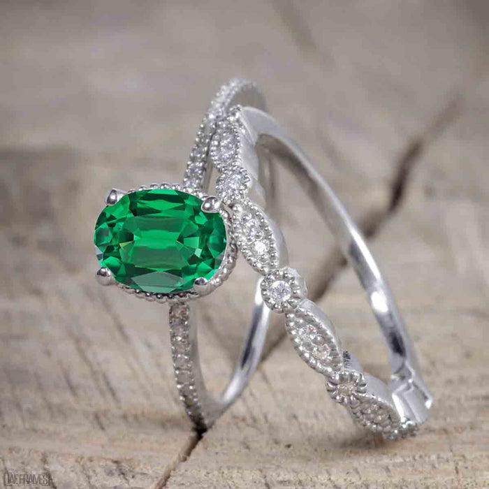 Beautiful 1 Carat Oval cut Emerald Solitaire Engagement Ring for Women in White Gold