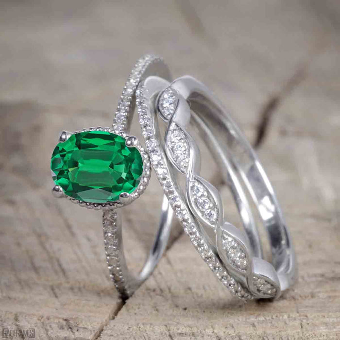 Unique 1.50 Carat Oval cut Emerald and Diamond Trio Wedding Ring Set in White Gold for Her