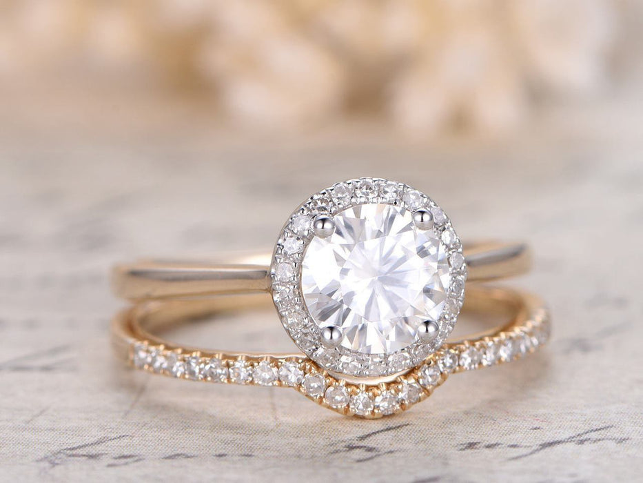 1.50 Carat Round Cut Moissanite and Diamond Wedding Set in Yellow Gold