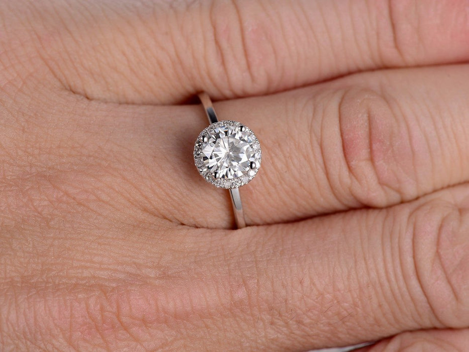1.25 Carat Round Cut Moissanite and Diamond Wedding Ring in 9k White Gold