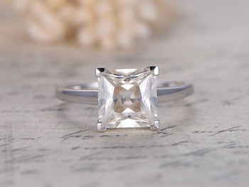 1 Carat Princess Cut Solitaire Moissanite Engagement Ring in White Gold