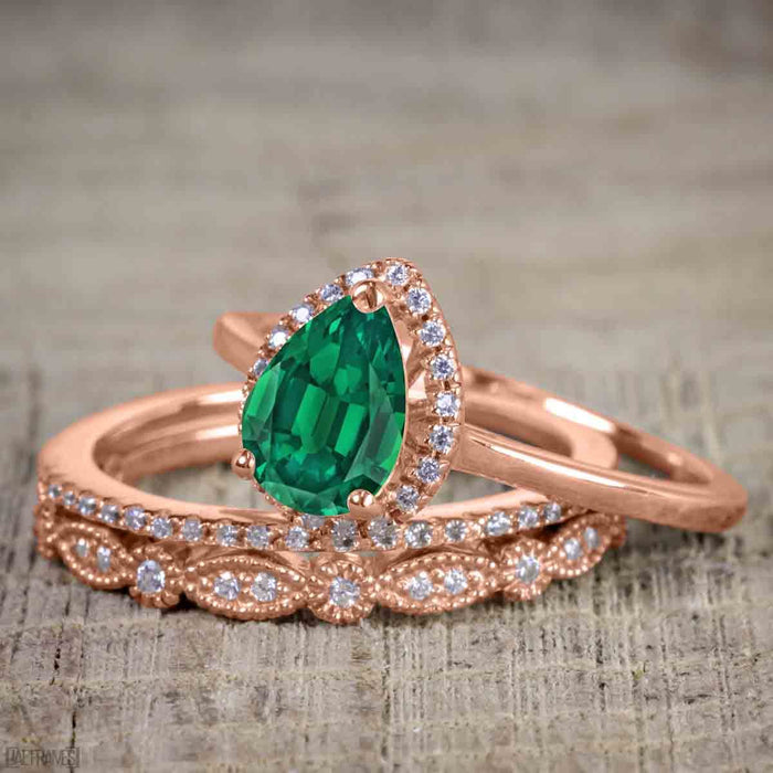 Affordable 2.50 Carat Pear cut Emerald and Diamond Antique Wedding Trio Ring Set in Rose Gold