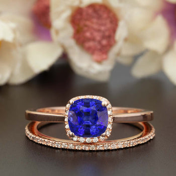 Splendid 1.50 Carat Cushion Cut Sapphire and Diamond Wedding Ring Set in Rose Gold