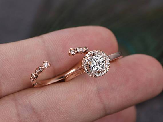 1.25 Carat Round Cut Moissanite and Diamond Wedding Set in Rose Gold