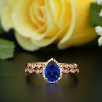 1.50 Carat Pear Cut Halo Sapphire and Diamond Wedding Ring Set in Rose Gold Vintage Ring