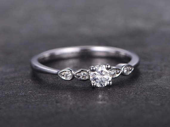 5 Stone 1.25 Carat Round Cut Moissanite and Diamond Engagement Ring in White Gold