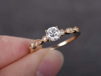 5 Stone 1.25 Carat Round Cut Moissanite and Diamond Engagement Ring in Yellow Gold