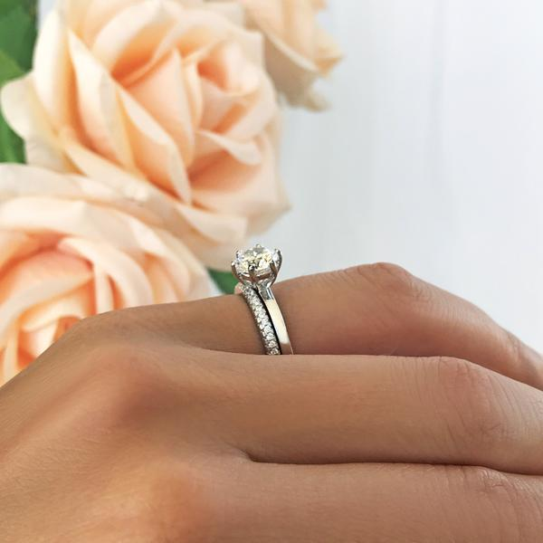 Six Prongs 1.5 Carat Round Cut Solitaire Bridal Ring Set in White Gold over Sterling Silver